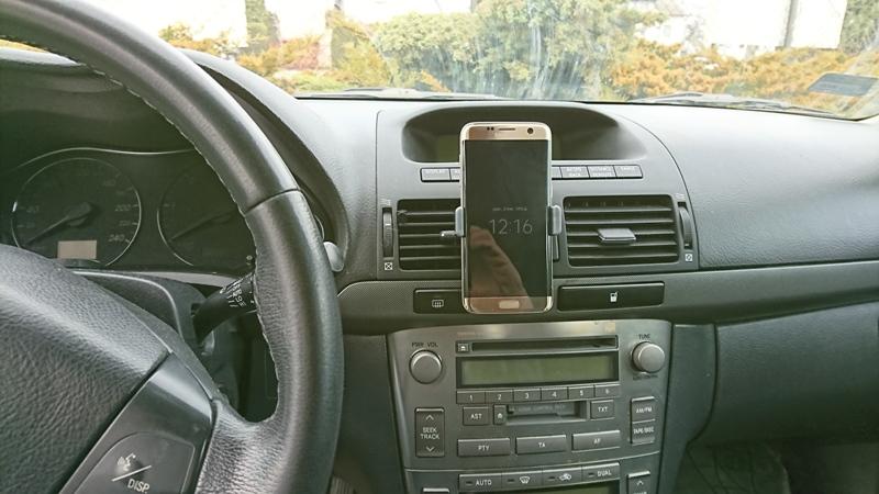 samchodowy uchwyt do telefonu montowany w kratkę wentylacyjną